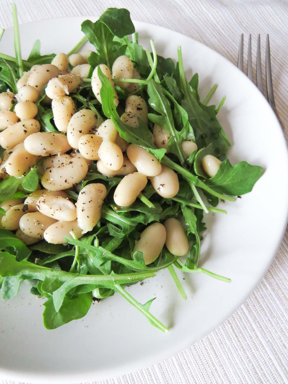 arugula salad with cannellini beans
