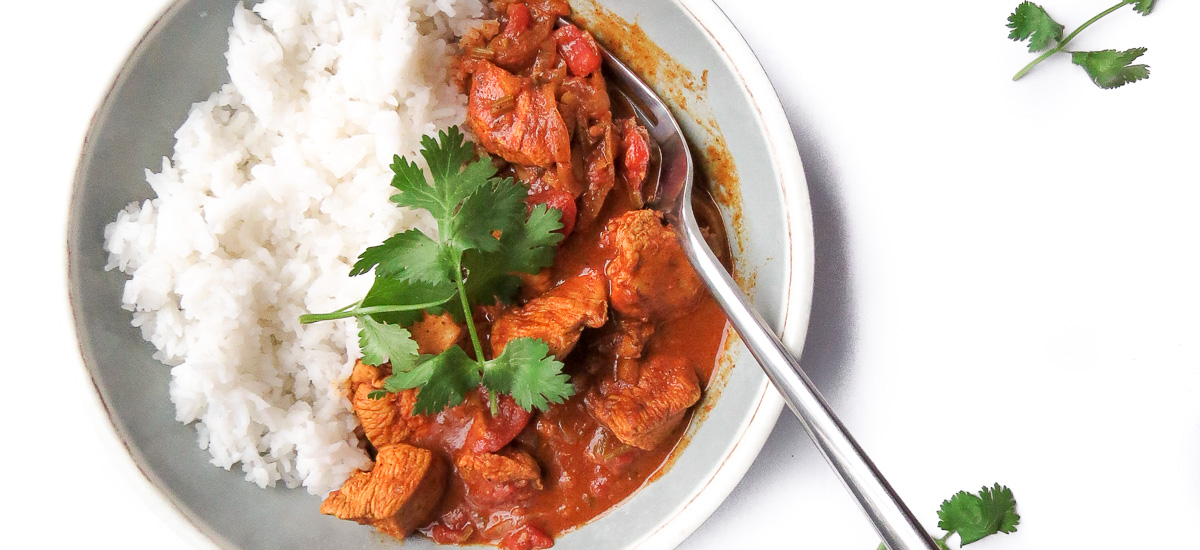 Awesome Chicken Tikka Masala - There is so many flavours in this tikka males recipe that there is no better adjective than awesome to describe it! It's packed with onions, ginger, cilantro, tomoatoes, chicken and my favourite curry paste!