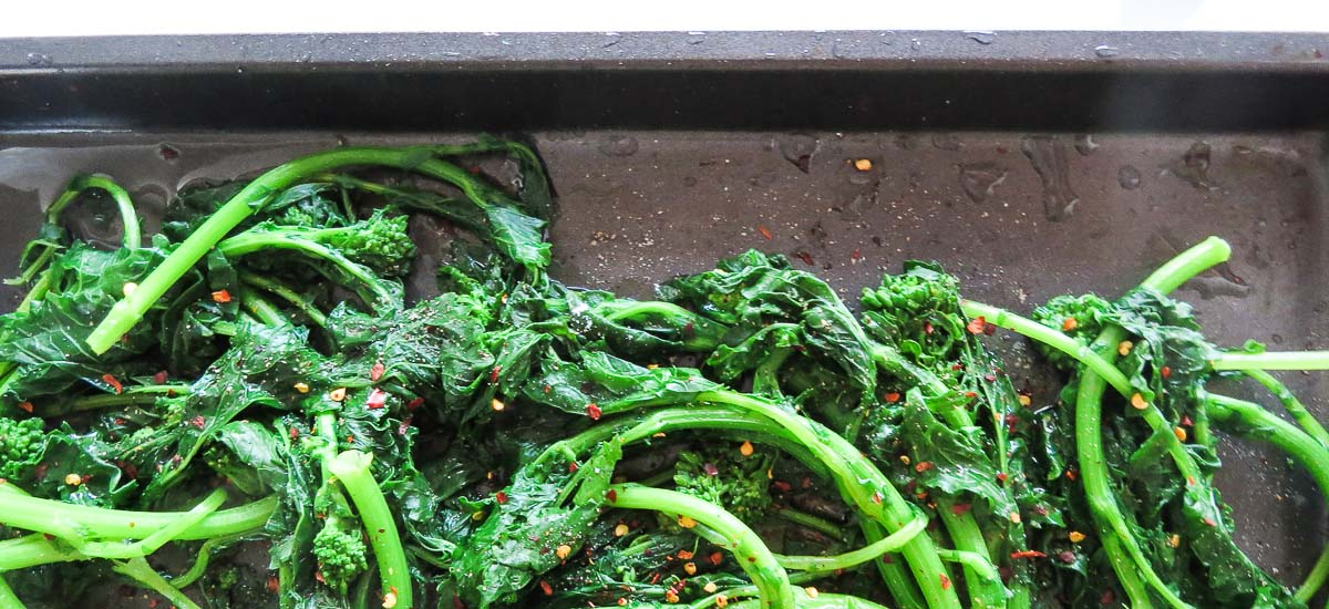 Sautéed Rapini - Super-duper versatility in this vegetable side dish! Garlic and oil is amazing but you can also spice it up with some chilli flakes! Great for experimentation!