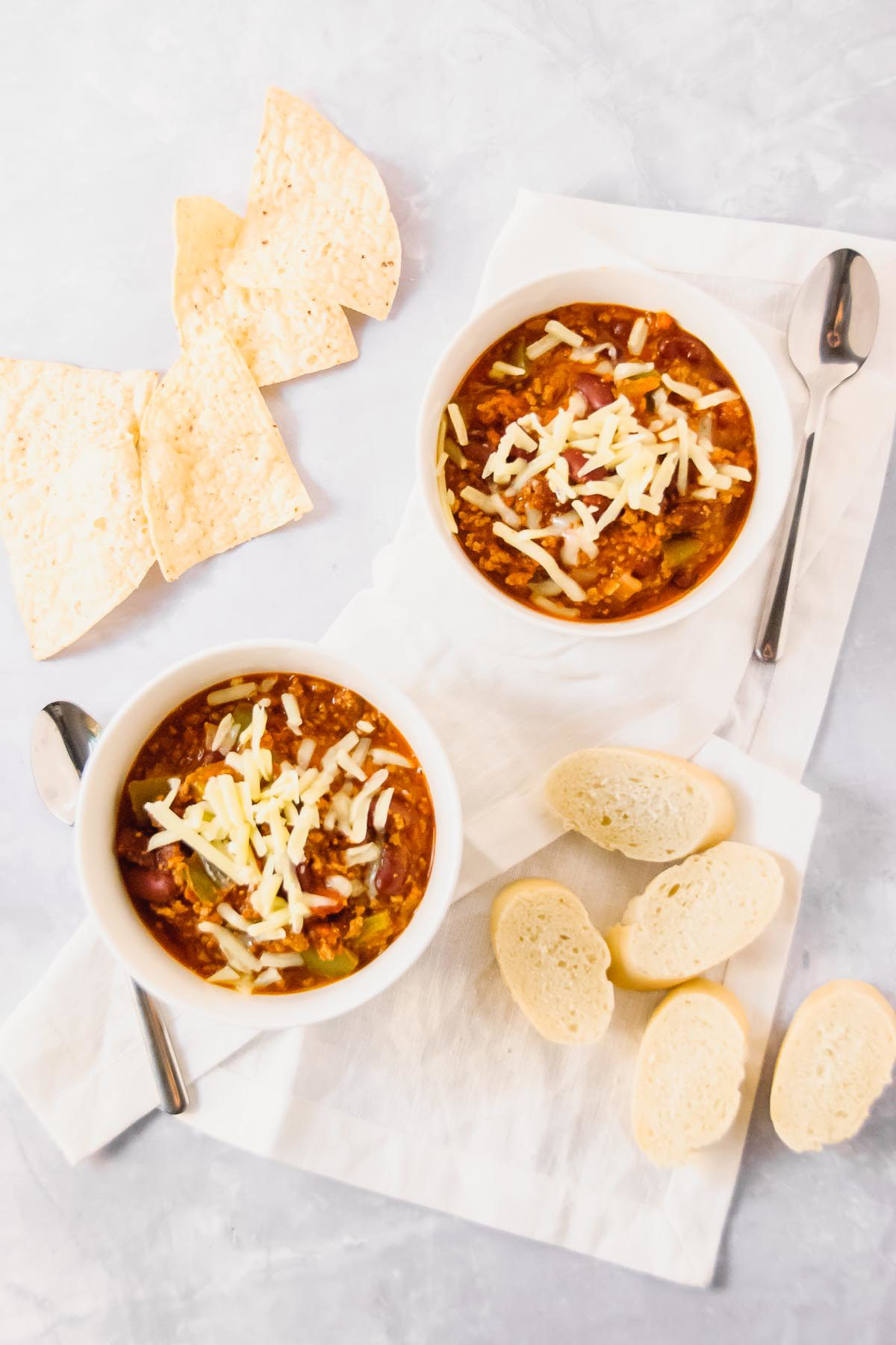 Simple 8-Ingredient Beef Chili